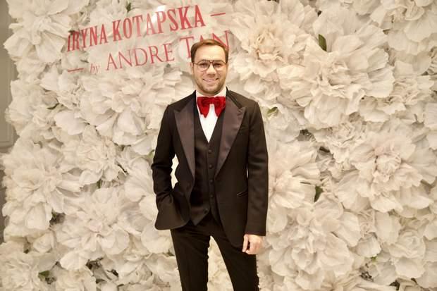 Дизайнер Анлре Тан на презентації одягу