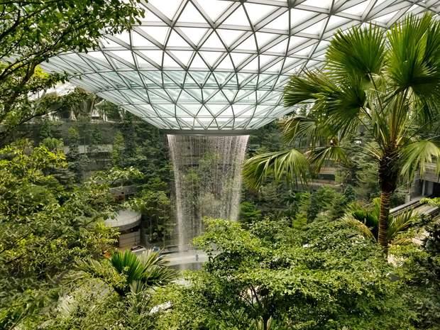 Водоспад Сінгапур аеропорт