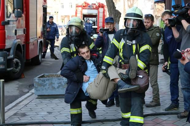 Рятувальники мали передати потерпілого медикам