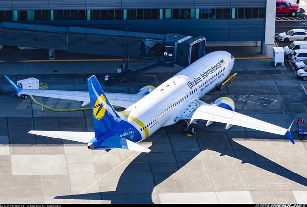 Boeing 737 MAX 8, МАУ, Міжнародній авіалінії України, авіація
