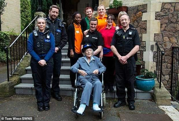 поліція британія 104 роки арешт мрія