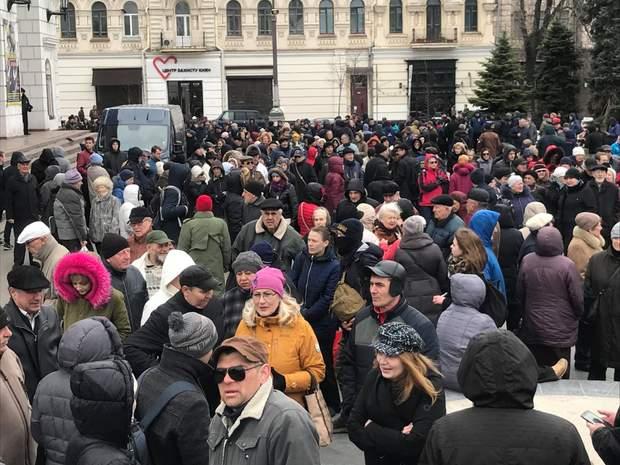 К акции Нацкорпуса присоединились пожилые люди