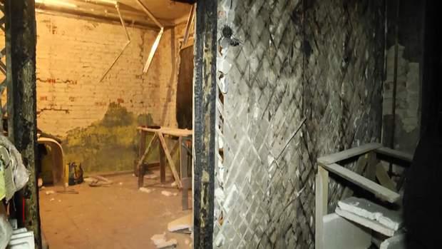 Жінка в Харкові живе у згорілій квартирі логочеви