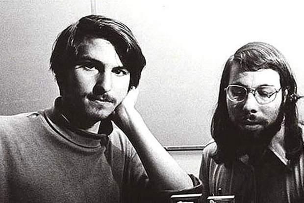 Засновники Apple – Стів Джобс та Стів Возняк