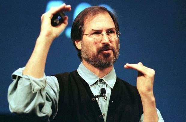 У 1996 році Стів Джобс вирішив повернутись у компанію Apple