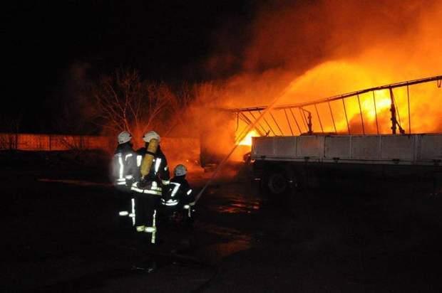 Взрыв газовоза: уничтожены 8 легковых автомобилей  и10 фургонов  — Mail.ru Авто