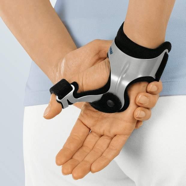 Для того, щоб знерухомити суглоб, лікар може накласти шину