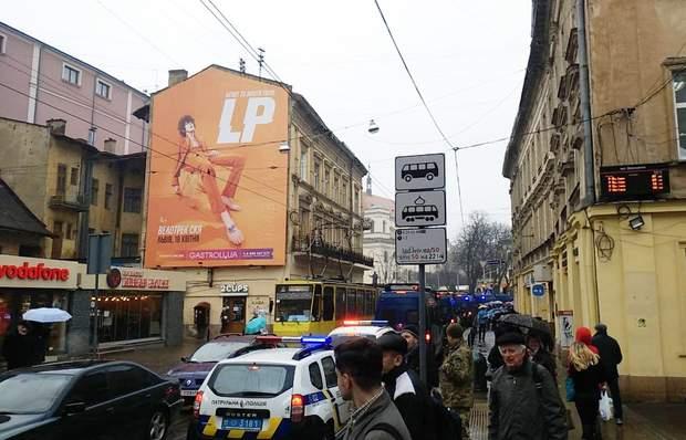 Львів Порошенко затори поліція