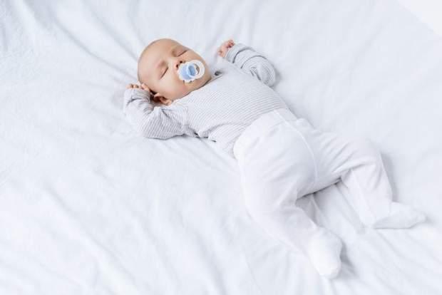 Незвичайна сонливість після травми голови у немовляти – тривожний симптом