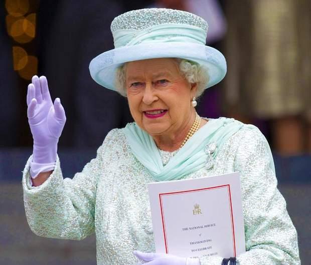 рукавички Єлизавети 2