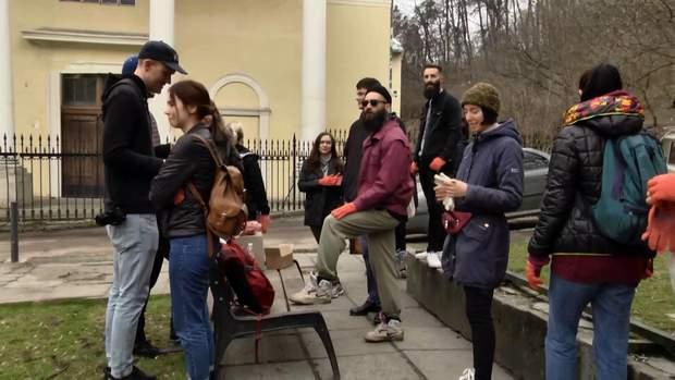 У Львові долучилися до всесвітнього флешмобу з прибирання #trashtag