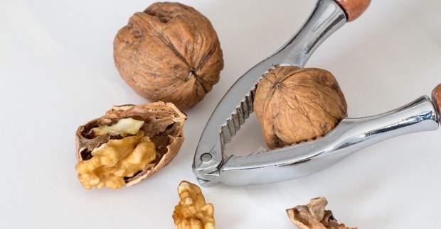 Вживання волоських горіхів пригнічує ріст клітин раку молочної залози