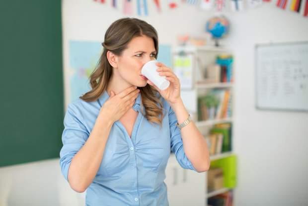 Чому болить горло