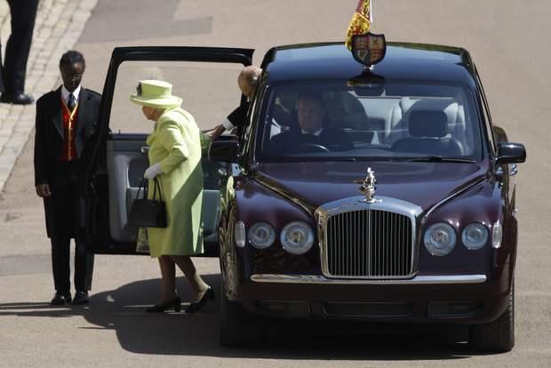 Королева Єлизавета ІІ матиме персонального водія