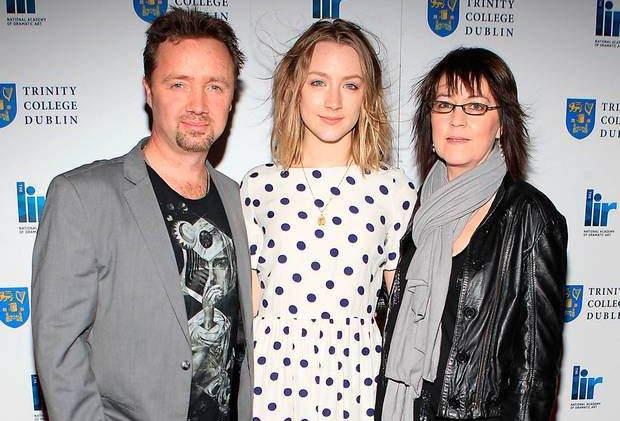 Сірша Ронан з батьками