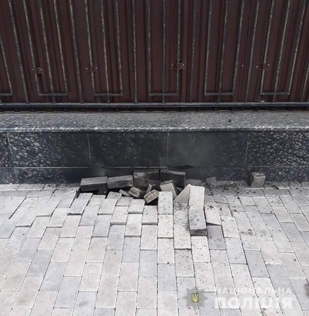 Під російським посольством у Києві прогримів вибух: деталі
