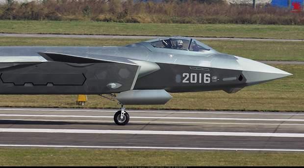 Винищувач Chengdu J-20