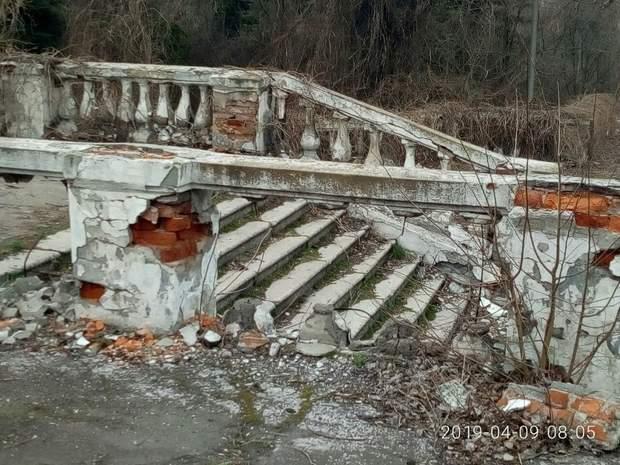 Занедбані будівлі окупованої Макіївки