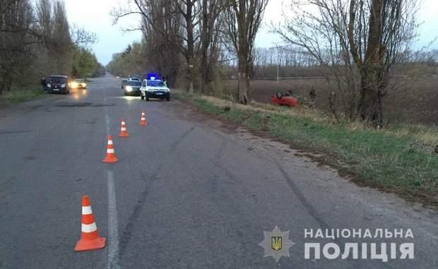 Водій не впорався з керуванням і машина вилетіла у кювет