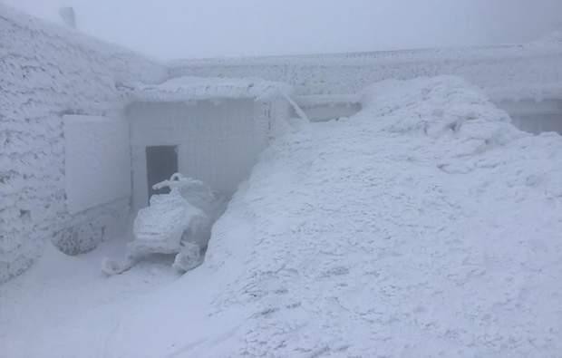 Украинские Карпаты завалило снегом: днепряне в восхищении от фотографий зимней сказки. Новости Днепра