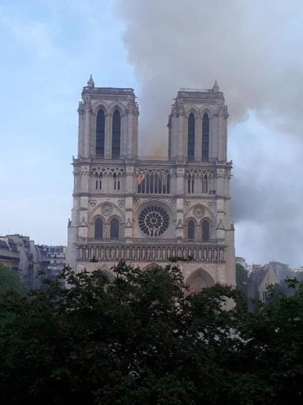 Нотр-Дам, Собор Паризької Богоматері, Франція, пожежа