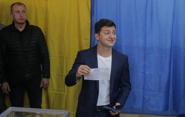Володимир Зеленський на виборчій дільниці