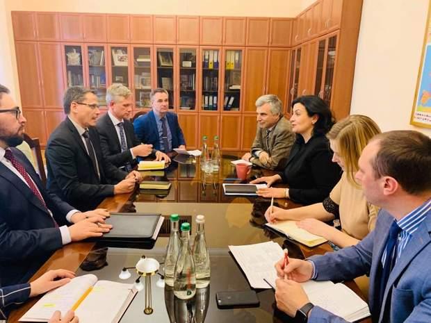 Зустріч представників НАТО з українськими дипломатами