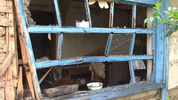 Вікна, потрощені снарядами