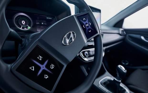 У моделях Hyundai може з'явитися сенсорне кермо та приладова 3D-панель