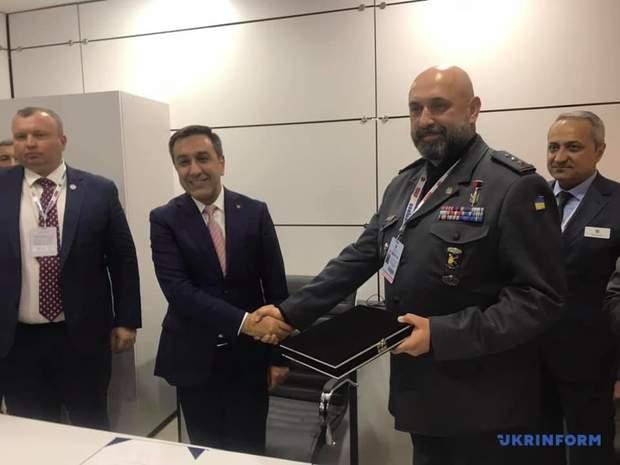 Підписання угоди між Україною та Туреччиною