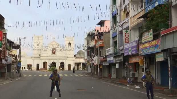 Шрі-Ланка потроху оговтується від терористичних нападів.