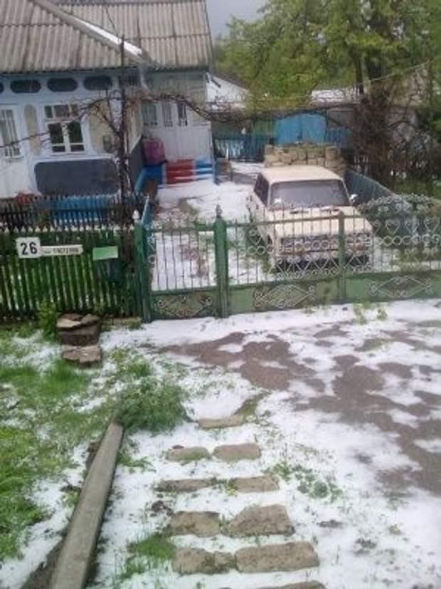 Україна сніг 1 травня Чернівецька область Сокиряни погода