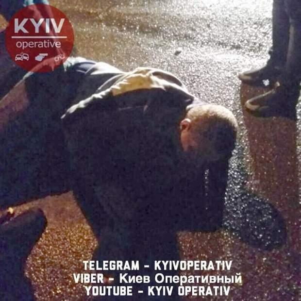 Київ кримінал поліція напад ніж водій авто алкоголь