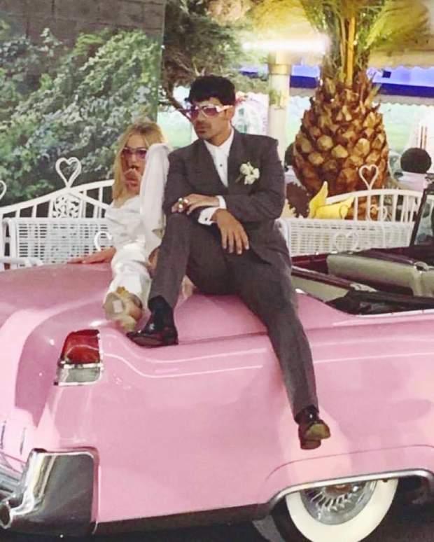 Софі Тернер і Джо Джонас одружилися