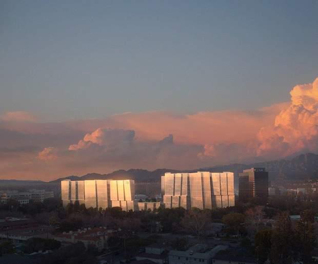 Ось так чудернацько може виглядати будівля відомої кінокомпанії