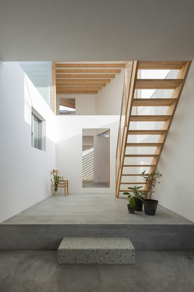 Інтер'єр будинку-лабіринту в Японії