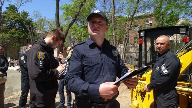 Літній театр протести незаконна забудова поліція активісти
