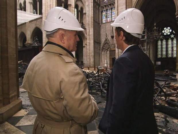 Собор Паризької Богоматері Нотр-Дам де Парі пожежа інтер'єр