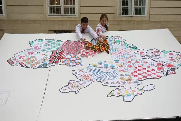 Карта, яка показує всю різноманітність українських вишиванок
