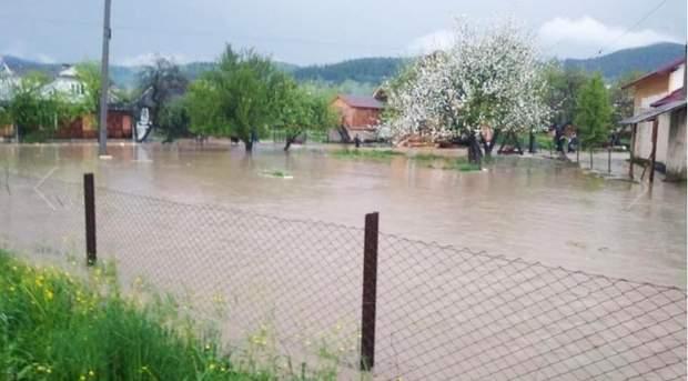 Повінь Прикарпаття дощі затопило