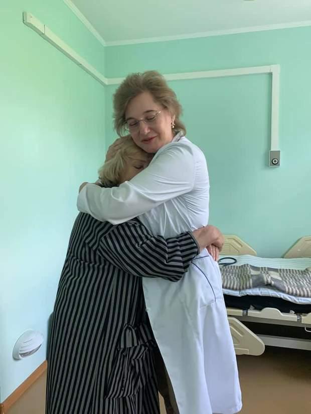 Ада Роговцева попала в больницу