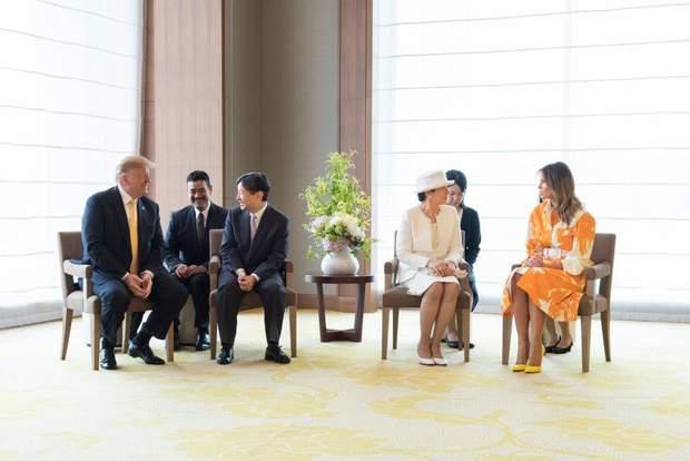 Дональд і Меланія Трамп в імператорському палаці в Токіо