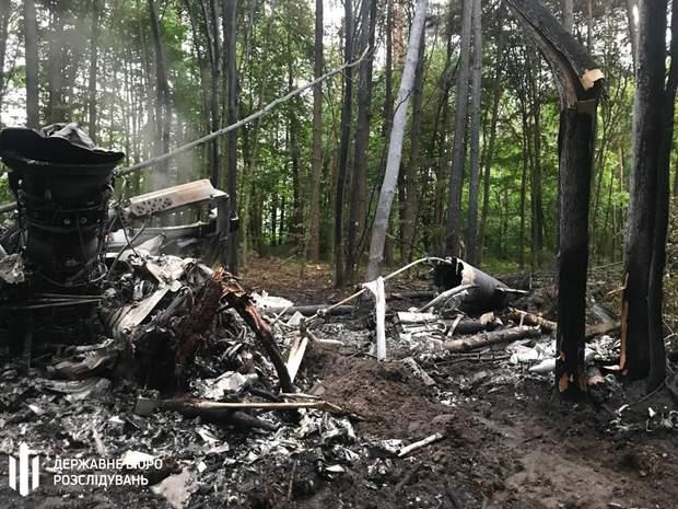 Падіння вертольота Мі-8 Рівненська область фото з місця катастрофи