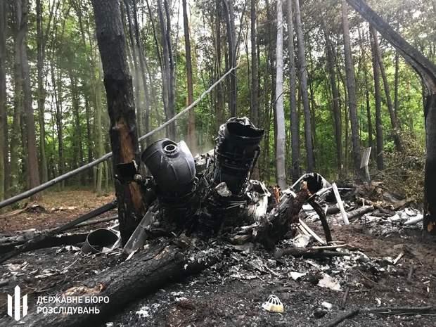 Катастрофа військовий вертоліт Мі-8 Рівненщина фото з місця аварії розбитий вертоліт
