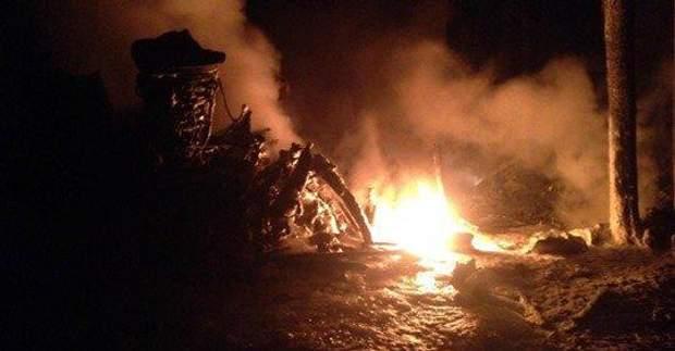 Катастрофа вертольота Мі-8 на Рівненщині пожежа фото