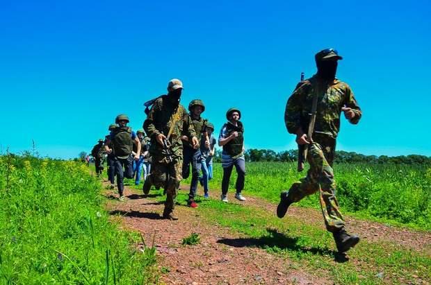 війна на донбасі лнр днр бойовики зброя навчання діти росія