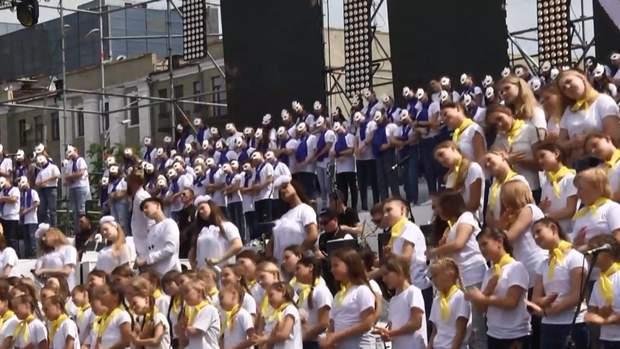 У Харкові три роки поспіль День захисту дітей, 1 червня, відзначають флешмобом