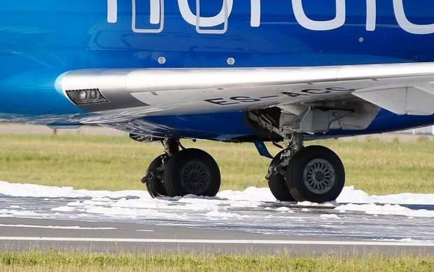 Літак Естонія Київ екстрена посадка