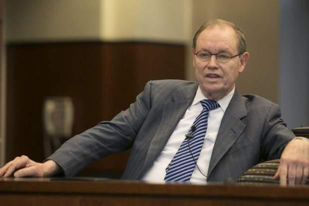Адвокат Ден Вебб