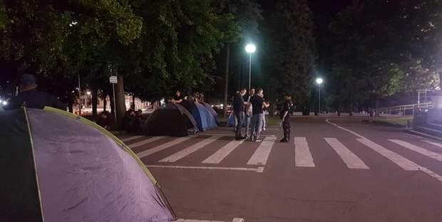 Молдова протести намети
